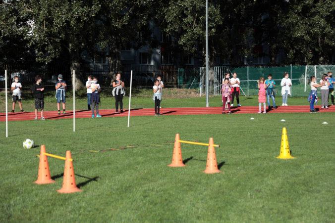 V jednej z košických škôl pribudol nový 200-metrový atletický ovál za takmer 190-tisíc eur (foto)