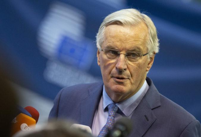 Británia plánuje porušiť záväzky dohodnuté v brexite, Barnier si na plány Angličanov posvieti