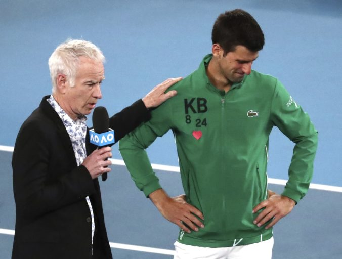 McEnroe a Evertová poriadne naložili Djokovičovi za jeho skrat v osemfinále US Open