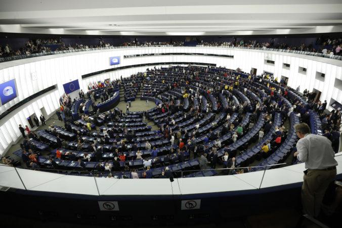 Európsky parlament pre koronavírus presunul plenárnu schôdzu zo Štrasburgu do Bruselu