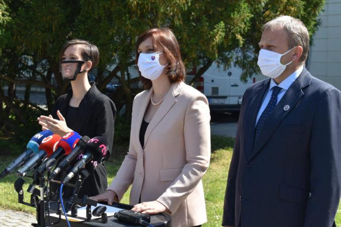 Ministerstvo vnútra po dohode so Slovenským zväzom nepočujúcich uhradí honoráre za posunkové tlmočenie