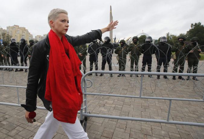 Unesenú Kolesnikovovú nútili prekročiť hranice, nepoddala sa a rozhodla sa zostať v Bielorusku