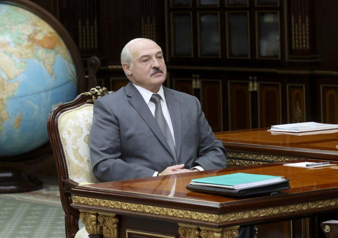 Lukašenko pripustil predčasné prezidentské voľby, najskôr však chce zmeniť ústavu