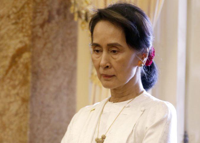 Mjanmarskú líderku Aun Schan Su Ťij vylúčili spomedzi laureátov Sacharovovej ceny