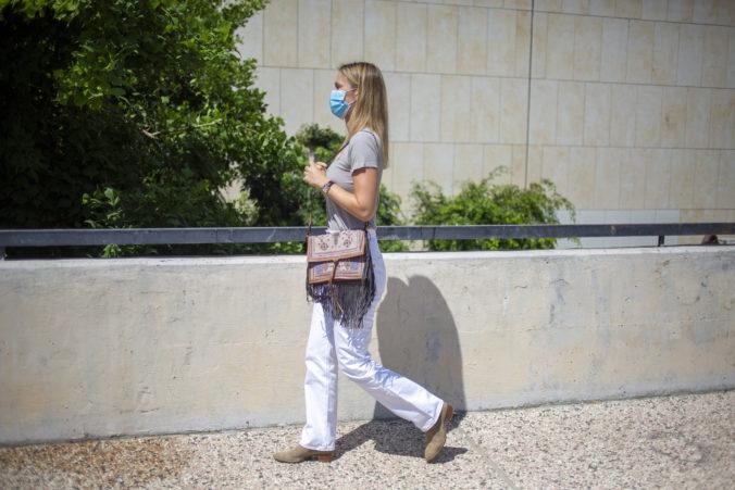 Najsexi žena roka 2012 bude vykonávať verejnoprospešné práce, jej matku súd poslal do väzenia