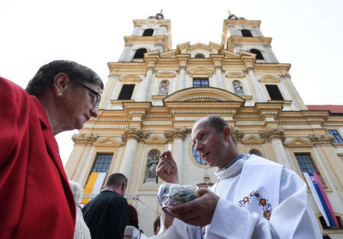 Veronika Remišová vyzýva starších ľudí, aby sa chránili a necestovali na púť do Šaštína