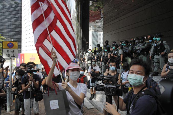 """Američanom hrozí """"svojvoľné zadržanie"""", ak budú cestovať do Číny a Hongkongu"""