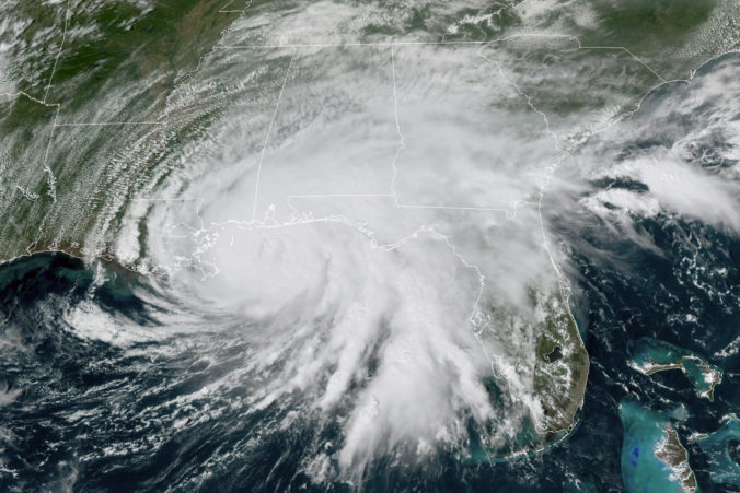 Na severozápadné pobrežie USA sa rúti hurikán Sally, v oblasti hrozia historické záplavy