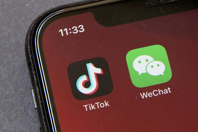 Užívatelia WeChatu sa obrátili na súd, podarilo sa im tak odložiť platnosť vládnych reštrikcií