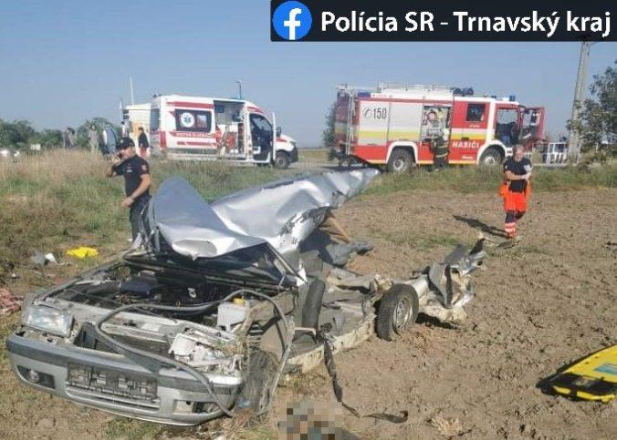Vodič Felicie neprežil zrážku s vlakom, tragická nehoda sa stala na nechránenom priecestí (foto)
