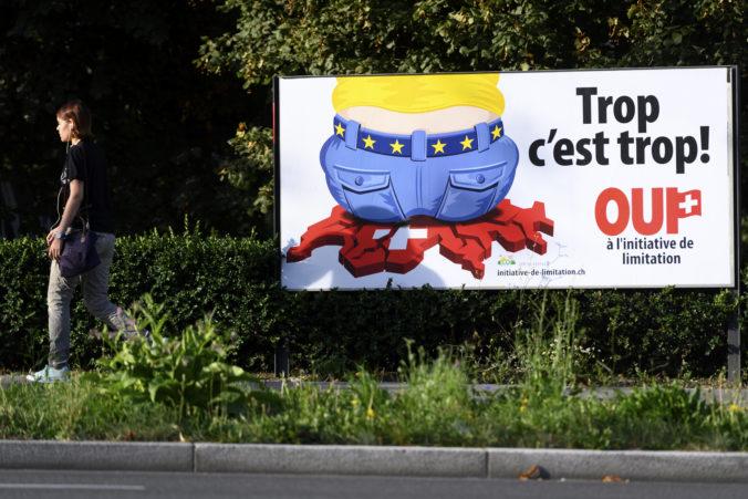Švajčiari hlasujú v referende, chcú mať v krajine menej zamestnancov z iných krajín Únie