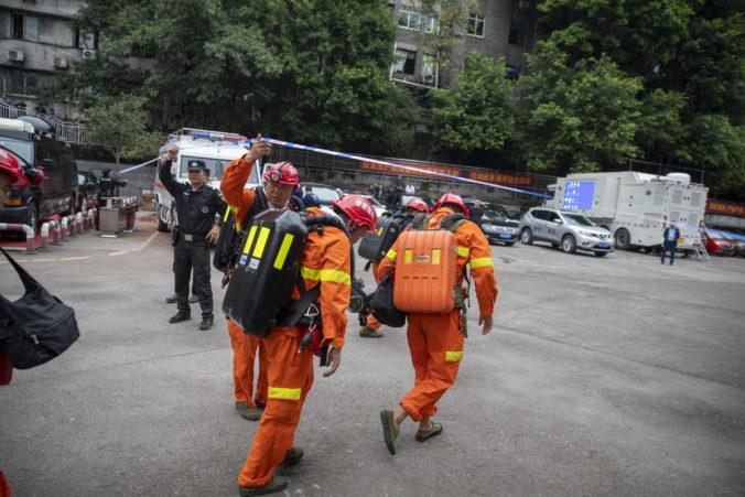 V uhoľnej bani na juhozápade Číny vypukol požiar, pri nešťastí zahynulo 16 baníkov