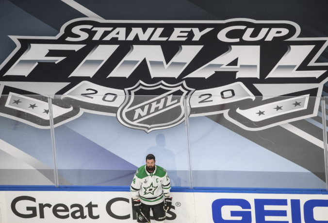 Hráči NHL už nechcú žiť v bubline pre COVID-19. V budúcej sezóne to neurobíme, sľubuje šéf NHLPA Fehr