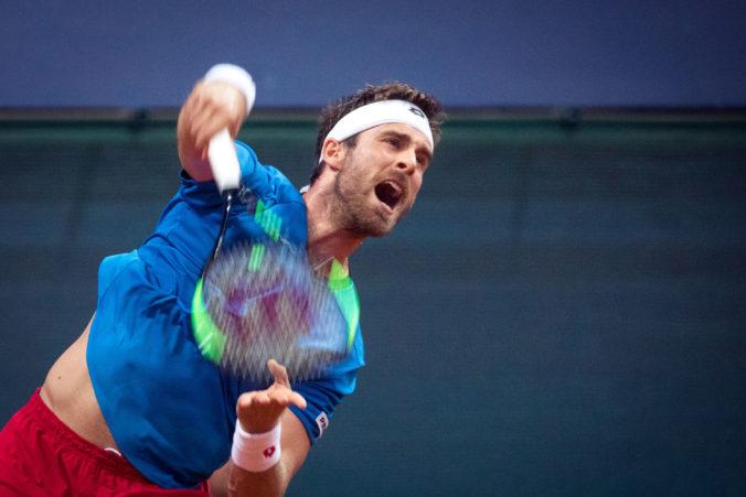 Gombos postúpil na Roland Garros do tretieho kola, vyzve Argentínčana Schwartzmana