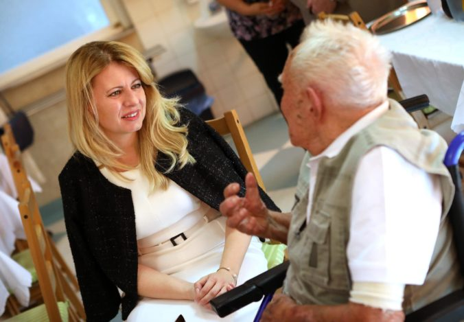 Čaputová chce využiť október – mesiac úcty k starším, aby sa venovala starostlivosti o seniorov