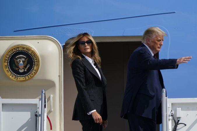 Donald Trump sa nakazil koronavírusom, pozitívny test mala aj prvá dáma Melania