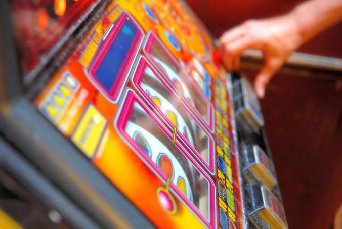 Primátor Banskej Bystrice chce navrhnúť zastupiteľstvu zákaz hazardných hier v meste