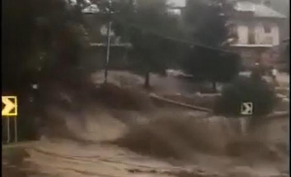 Sever Talianska zasiahli záplavy, jeden človek zomrel a viacero je nezvestných