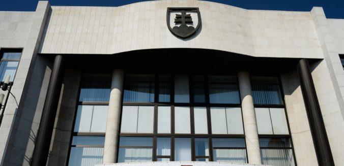 Moderné a úspešné Slovensko zmäkčuje sľub vlády SR o zlepšení Slovenska z hľadiska vnímania korupcie, uviedlo TIS