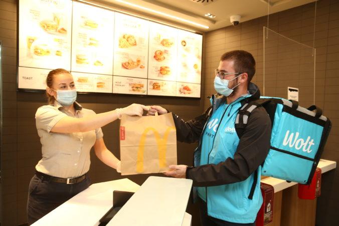 McDelivery už aj v Trnave. Doručenie jedla z McDonald's sa rozširuje o ďalšie slovenské mesto