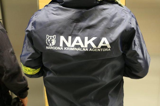 NAKA zasahovala na obecných úradoch a ďalších miestach v Bratislavskom kraji