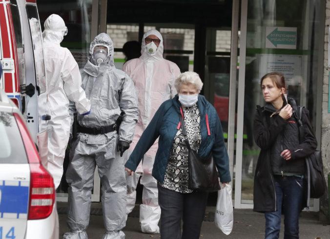 Poľsko vstupuje do žltej zóny, krajina sprísňuje pre koronavírus bezpečnostné opatrenia