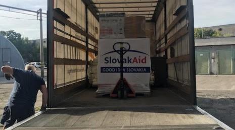 Slovensko poslalo humanitárnu pomoc do Severného Macedónska, ktoré čelí rekordnému počtu prípadov COVID-19