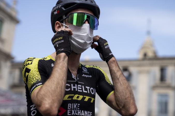 Simon Yates na Giro d'Italia skončil, cyklistovi potvrdili koronavírus
