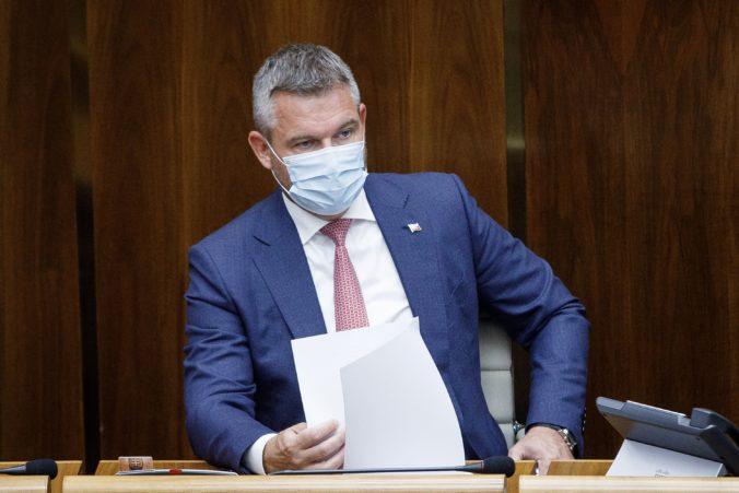 Grendel bol pozitívne testovaný na koronavírus, vyhlásil Pellegrini a obvinil ho z nezodpovednosti (video)