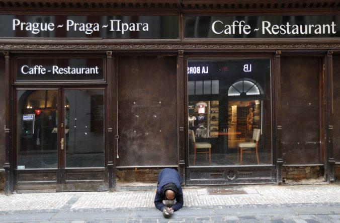 Česko prijalo prísnejšie opatrenia proti koronavírusu, zatvorené sú aj reštaurácie a bary