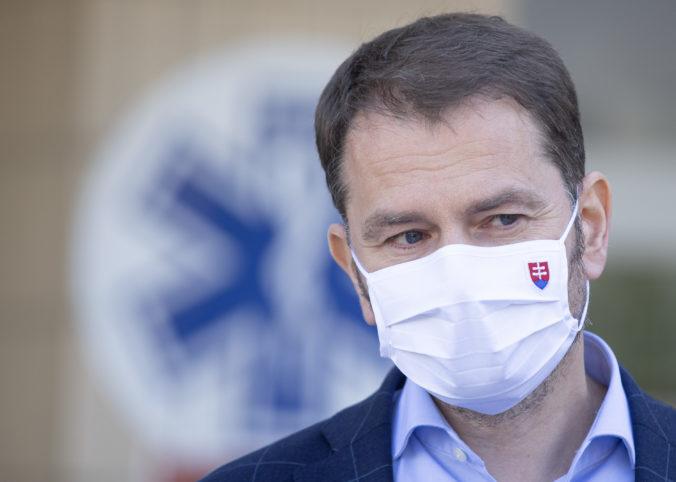 Matovičovej vláde dôveruje pri prijímaní protipandemických opatrení menej než polovica opýtaných
