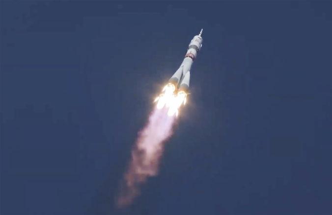 Smerom k ISS vzlietla z Ruska trojica astronautov, po prvý raz využili zrýchlený manéver (foto+video)
