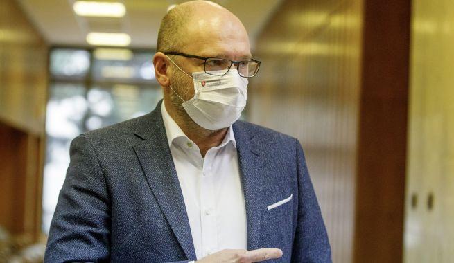 Sulík kritizuje veľkú moc hlavného hygienika, zbankrotujú možno tisícky prevádzkovateľov