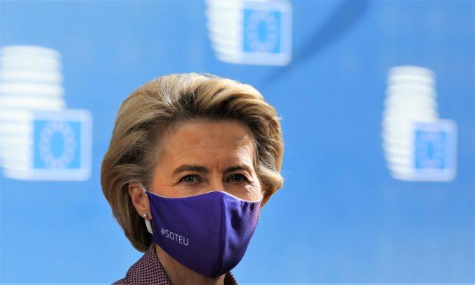 Leyenová opustila samit lídrov EÚ predčasne, musí ísť do karantény