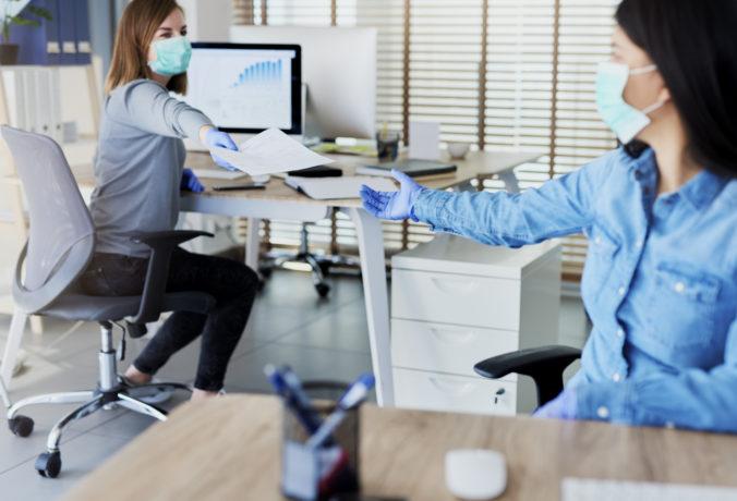 Mesto Trnava okresalo počet ľudí v kanceláriách a pri sobáši môže byť naraz len osem ľudí