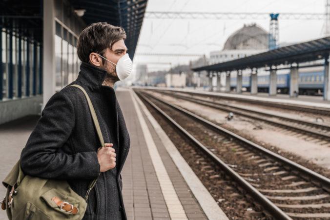 Aktualizácia k 19. 10. 2020: Obmedzenie vlakov medzi Slovenskom a Českom, obmedzené vedenie autovozňa a nové opatrenia v reštauračných vozňoch