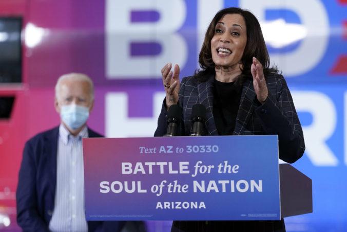 Zamestnanci Bidenovej kampane majú koronavírus, kandidátka na viceprezidentku pozastavila cestovanie
