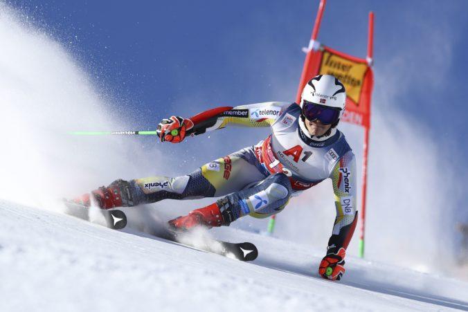Obrovský slalom v Söldene mal senzačného víťaza, body získal aj Adam Žampa (video)