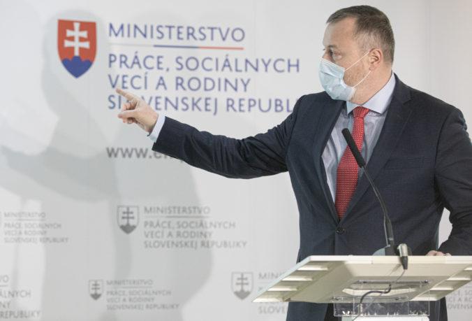 Miera nezamestnanosti na Slovensku klesla, podľa Krajniaka pomohla aj prvá pomoc z prvej vlny pandémie