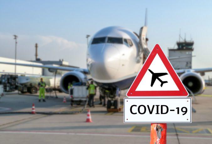 Takmer polovica Slovákov sa pre koronavírus obáva obmedzení pricestovanído zahraničia