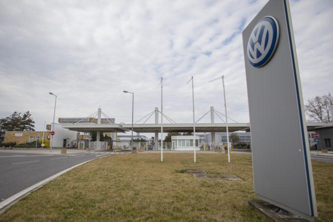 Bratislavský Volkswagen skúma možnosť testovania svojich zamestnancov vo vlastnej réžii
