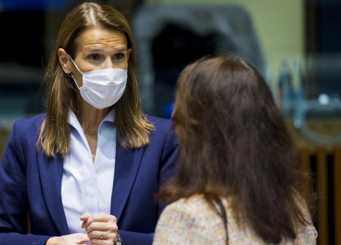 Bývalá belgická premiérka sa nakazila koronavírusom, museli ju hospitalizovať