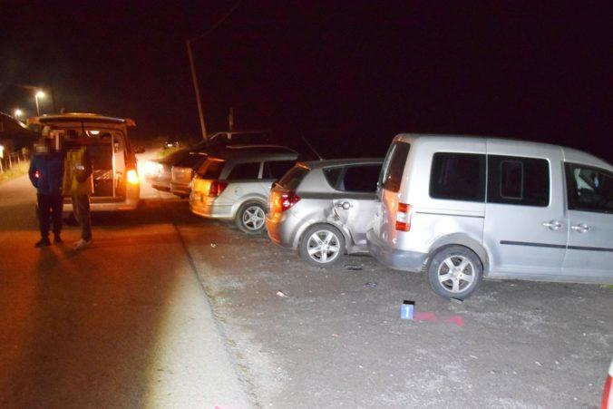 Opitý muž bez vodičského oprávnenia zničil tri autá, nafúkal viac než dve promile