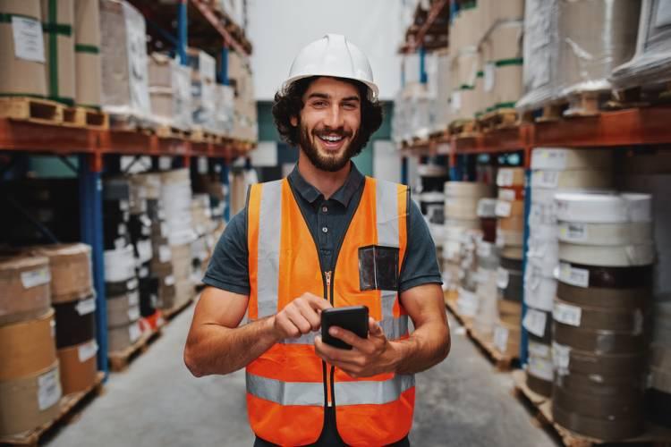 Čo môžu urobiť firmy pre to, aby zvýšili bezpečnosť zamestnancov vo výrobných halách a skladoch?