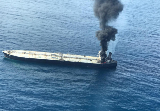 Na ruskom ropnom tankeri v Azovskom mori došlo k výbuchu, traja ľudia sú nezvestní