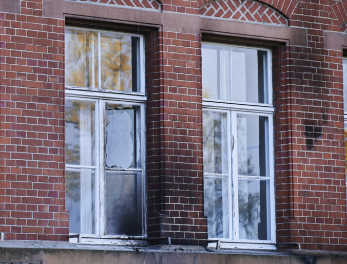 Nemecký Inštitút Roberta Kocha bol terčom podpaľačov, ochranka plamene rýchlo uhasila