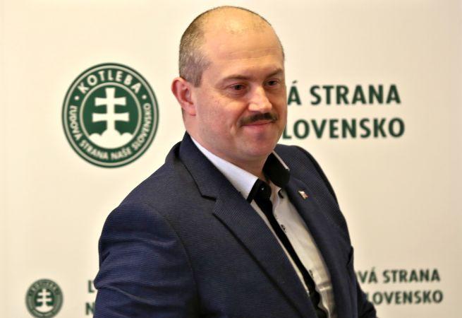 Znovunominovanie Kotlebu za šéfa výboru svedčí podľa politologičky o kríze osobností v ĽSNS