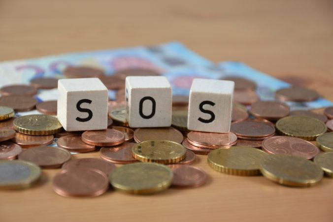 SOS dotácia pre ľudí bez príjmu sa obnoví, vláda zvýšila aj jej výšku