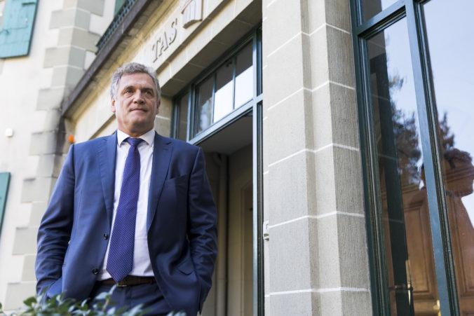 Niekdajší generálny sekretár FIFA Valcke bral úplatky, musí vrátiť takmer dva milióny eur