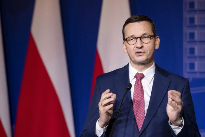 Poľský premiér sa chce čo najdlhšie vyhnúť lockdownu, občanov vyzval na dodržiavanie pravidiel